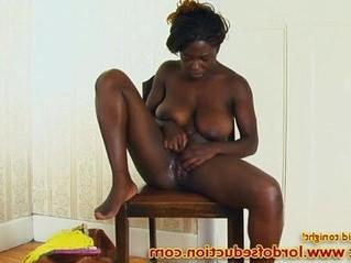 babe  busty  ebony