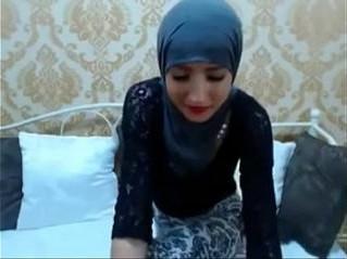 arab  camgirl  muslim