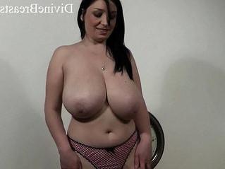 boobs  busty  natural tits