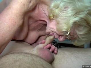 gilf  girl  masturbation