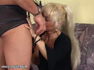 blonde  chick  cougar