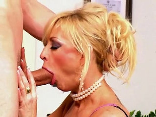blowjob  gilf  lady